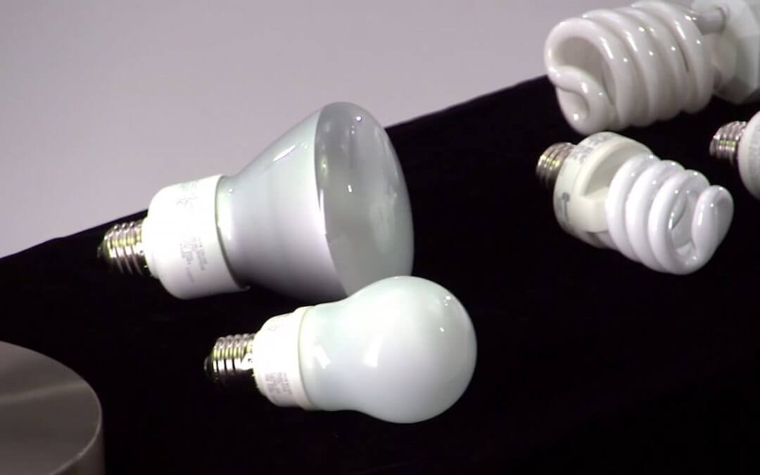 What are the Benefits of Compact Flourescent Lamp (CFL) Light Bulbs?